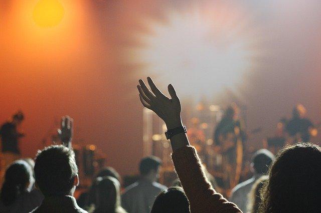 4 Things That Make Genuine Worship Music Different
